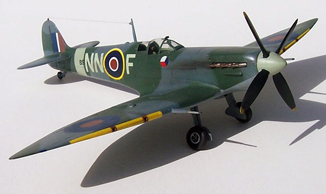 Mk.VI Model Kit Smer 1//72 Supermarine Spitfire H.F