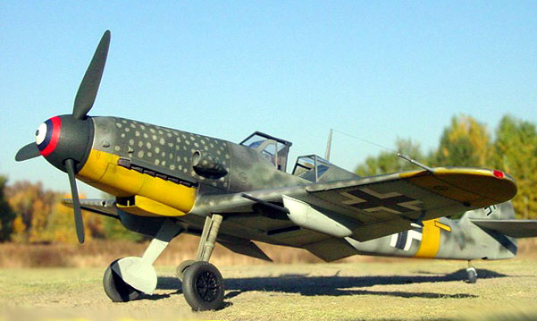 http://hyperscale.com/features/2002/images/bf109g432ir_1.jpg